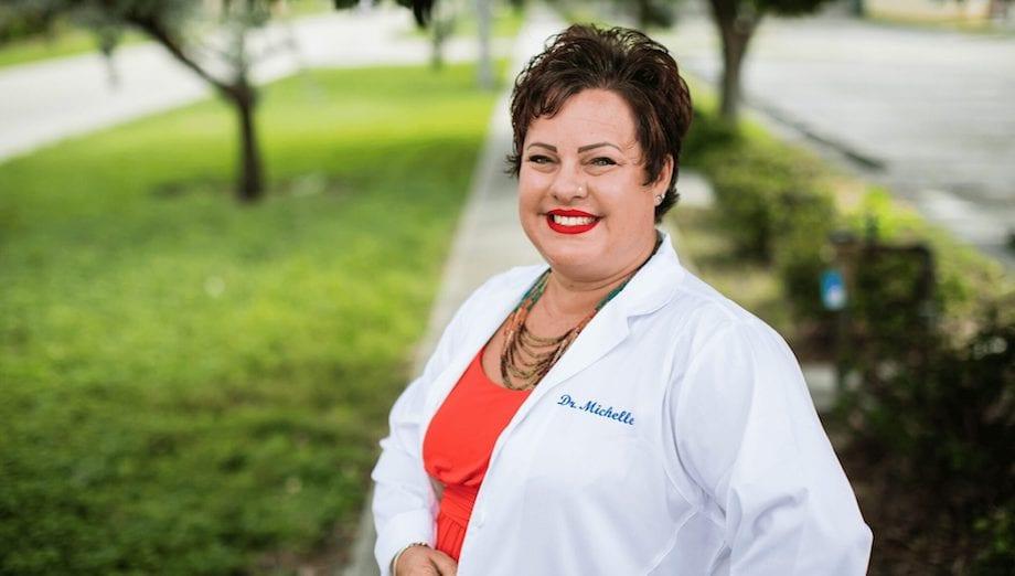 Dr Michelle smiling | Dr Michelle